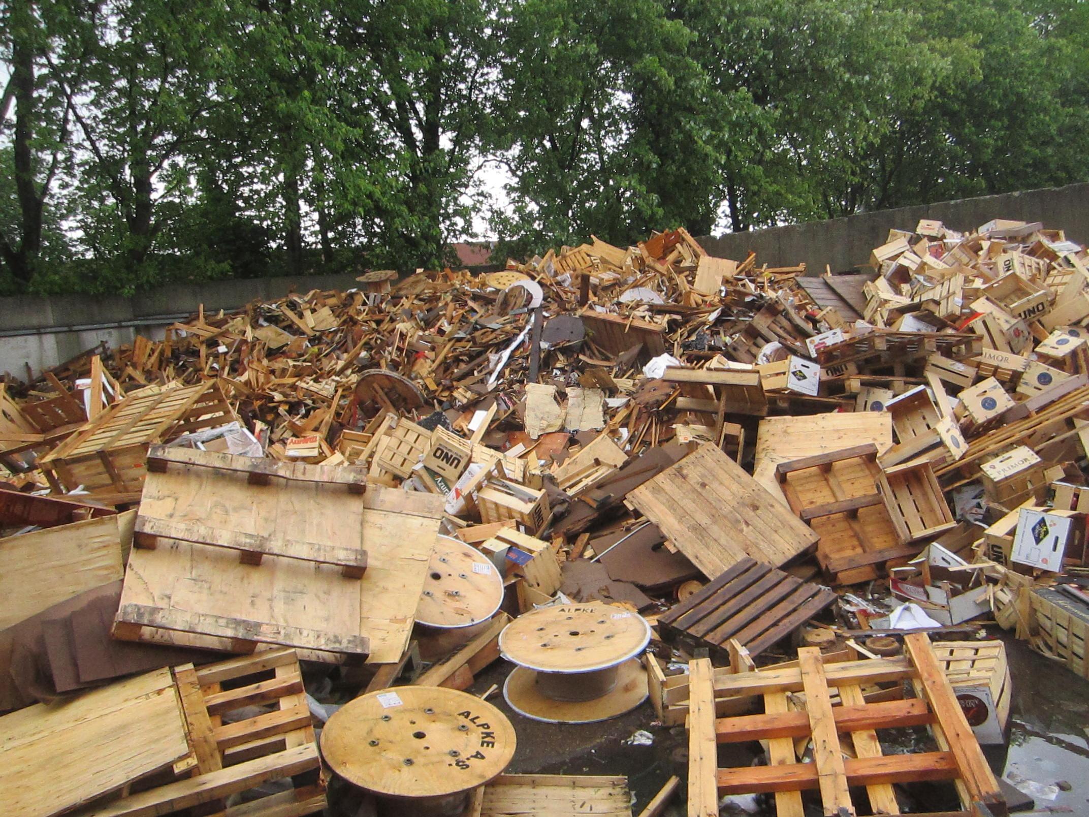 Hout van puijfelik recycling - Keukenmeubelen hout recyclen ...